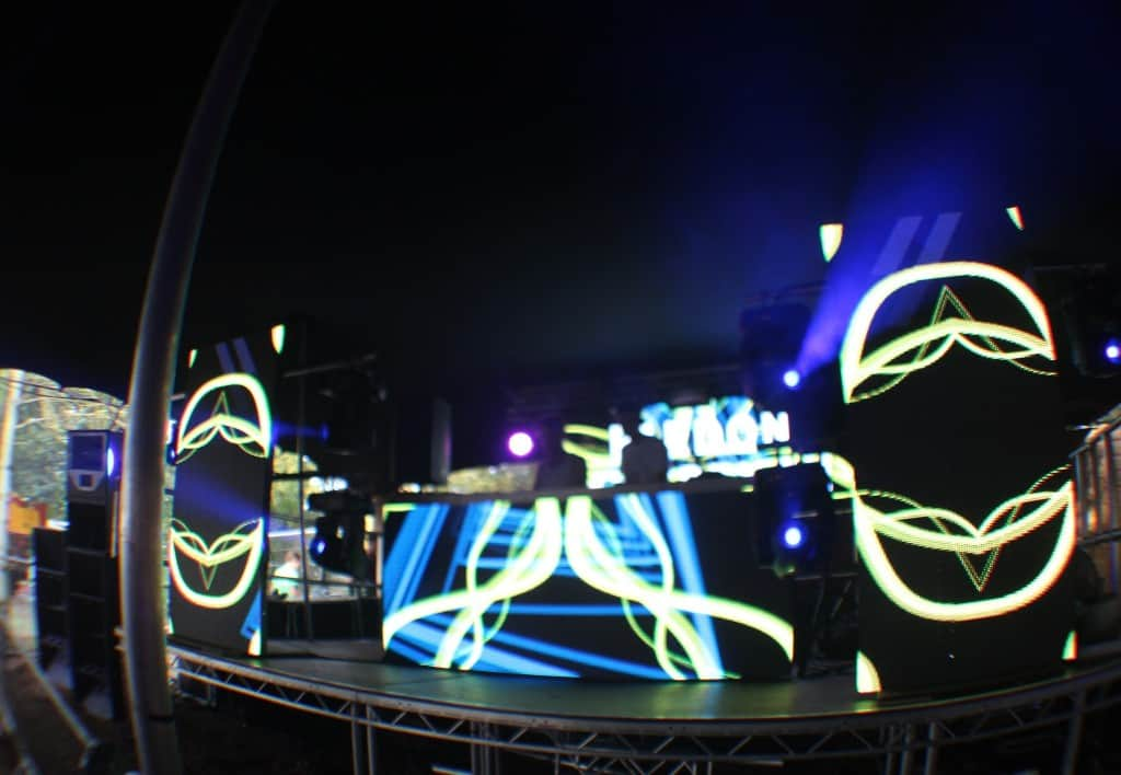farr_festival_fox_hole_2014_vortex_8.9mm_led_screen_1a Vortex Events