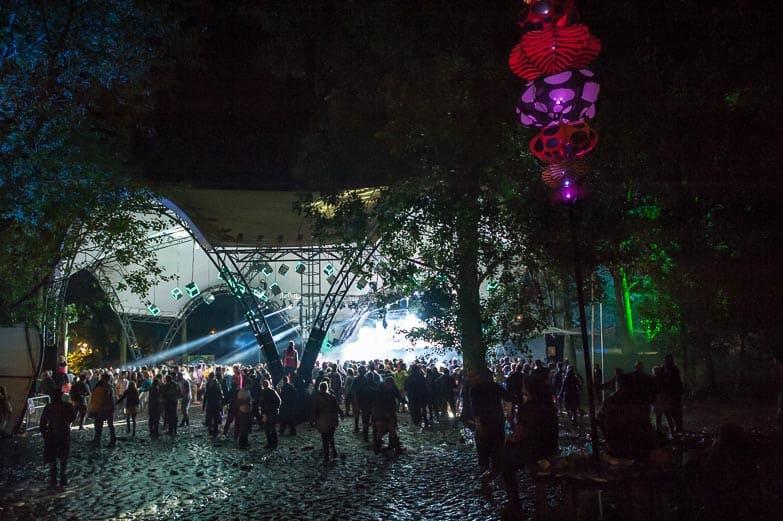glade_stage_Glastonbury_2014_stealth_LED_cubes_vortex_7a Vortex Events